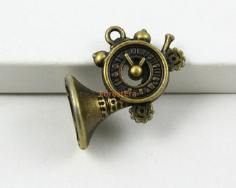 20Pcs Antique Brass French horn Charm Clock French horn Pendant 22x18mm (PND556)