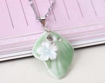 Miniature ceramic leaf pendant sweater chain/small ornament/simple artistic creative ceramic.