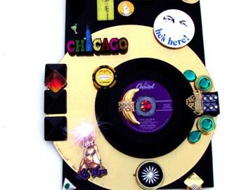 "SINATRA FRANK ""Chicago"" 1957 Vinyl 7"" Record Vintage Vegas Memorabilia Wall Art Black Gold Old Blue Eyes Caesars Button Rat Pack Sahara Chip"