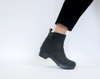 Womens Swedish Clog Boots For Women Black Nubuck Leather Boots Comfortable Low Heel Dark Wooden base Shoes Sandgrens Clogs SoHo