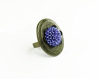 Purple Chrysanthemum Antiqued Brass Locket Ring, Vintage Style, Adjustable, Gifts for Her