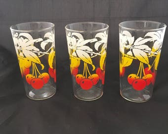 Vintage Juice Glasses with Cherries - White Yellow Red - Mid Century Modern Juice Glasses - Retro Juice Glasses - Retro Tumblers - Set of 3