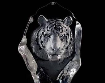 Mats Jonasson, Swedish glass designer, Crystal Tiger Sculpture #33567
