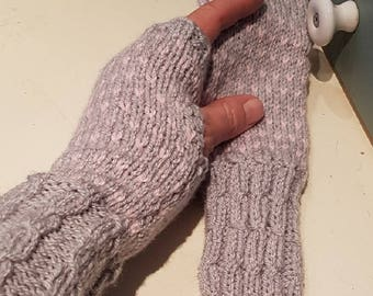 Knitted Hand Warmers Grey Pink Wrist Warmers Cable Rib Intarsia Knit Handmade Gloves Ladies Fingerless Mitts Mini Heart Design Women Gloves