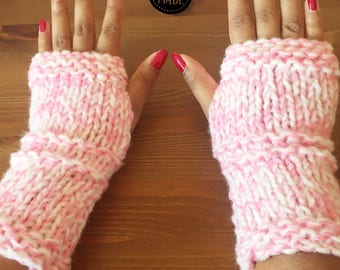 """Snow"" pink mittens"