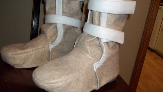Hoth Snow Boots, costume shoe covers. Look like the ones Han Solo & other rebels wore at Echo Base on the ice Planet with the cute Tauntauns
