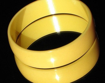 Bakelite Bracelet Vintage Bangle Wide Sunny Egg Yolk Creamed Corn Statement Hollywood Modernist Mid Century Boho Chic Butter Yellow Catalin