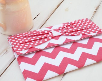"Macbook Envelope Case, Macbook Cover, Macbook Sleeve, Laptop Case, Laptop Sleeve, 13 or 11""  Macbook Case in Pink Chevron Bow"