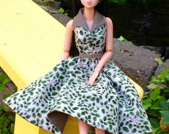 Momoko clothes, Momoko  clothing, vintage dress inspired by the 50's, summer dress, halter dress, green and cream dress for japanese doll