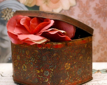 Rustic Vintage Rusty Flowery Floral Tin Great for Display or Storage
