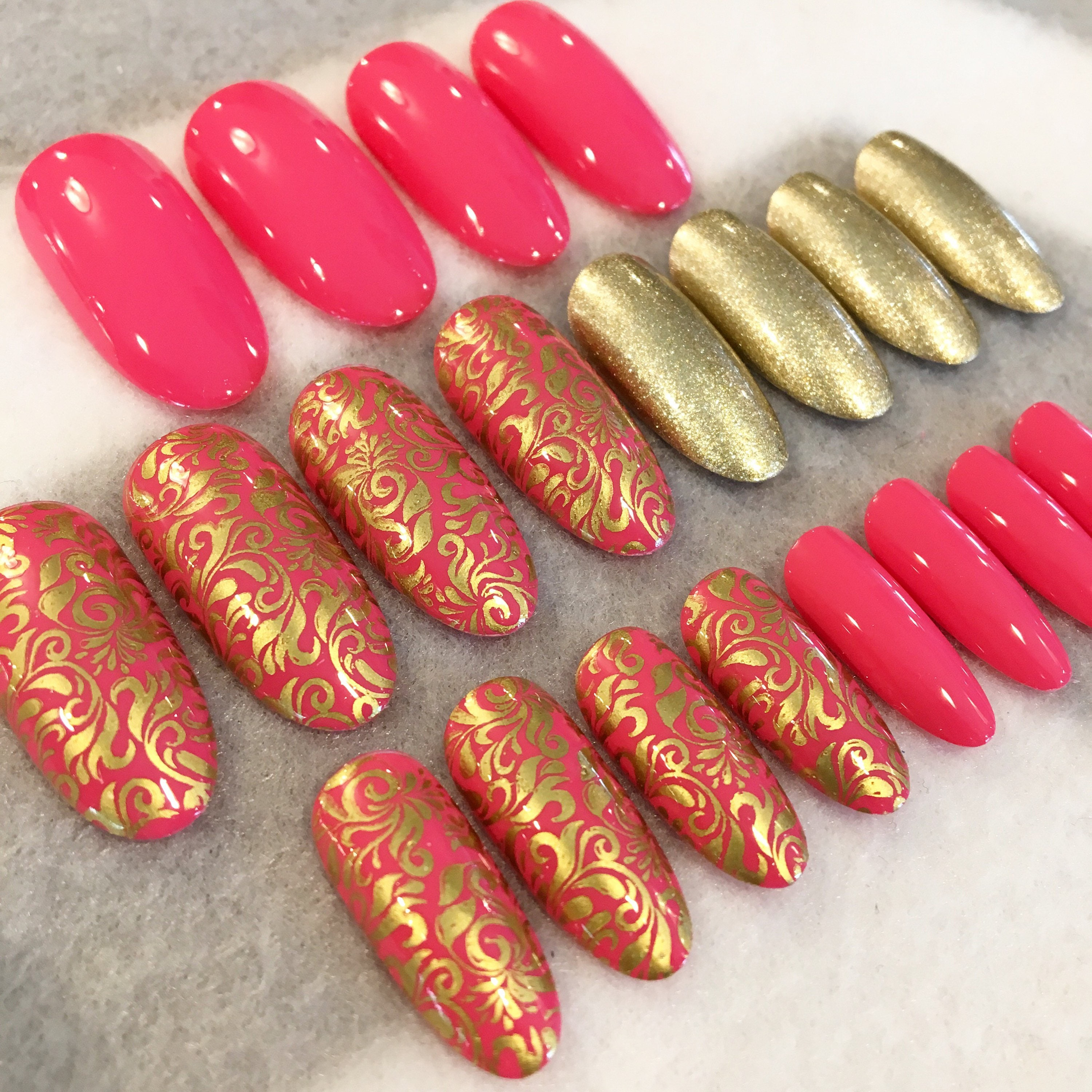 Pink And Gold Scroll Print Fake Nails * Faux Nails * Glue On Nails ...