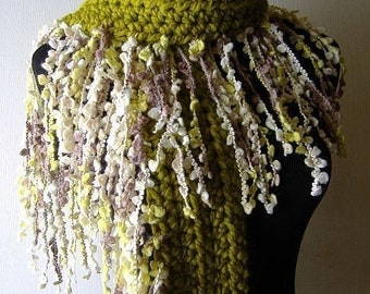 Irish Fringe Scarf Warm Thick Fringie in Grass Green Beige White