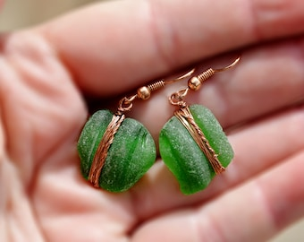 Genuine Sea Glass Earrings Copper Earrings Bottle Top Sea Glass Earrings Green Bottle Neck Beach Glass Earrings from Israel Free Shipping