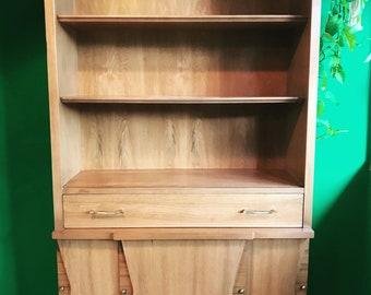 Hutch - Mid century modern - Vintage china cabinet