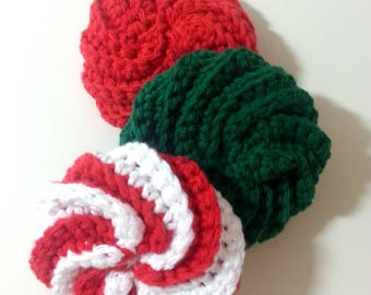Christmas Scrubbie Set, Spiral Crochet Scrubbie, Twisted Scrubbers, Cotton Dish Scrubbie, Crochet Wash Pad, Set of 3 Red Green and White