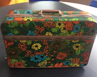 Vintage Floral Suitcase, 1970s Galaxy Trav-ler Canvas Luggage, Retro Floral Large Suitcase, Groovy Vintage Luggage, Like New Vintage Luggage