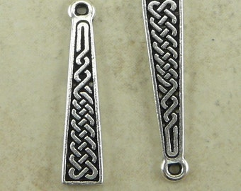 2 TierraCast Celtic Braid Knot Charms > St Patricks Day Irish Ireland - Silver Plated Lead Free Pewter - I ship internationally 2031