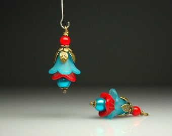 Vintage Style Bead Dangles Turquoise Blue Lucite Flowers Pair BL770