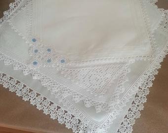 Vintage Linen Lace Hankies Handkerchiefs