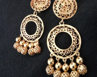 Vintage Alfred Sung Goldtone Filigree Chandelier Clip on Earrings