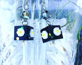 Flower earrings, Resinohrringe, modern earrings, resin earrings