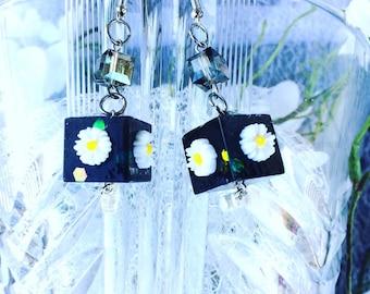 Flower earrings, Resinohrringe, modern earrings, resin earrings