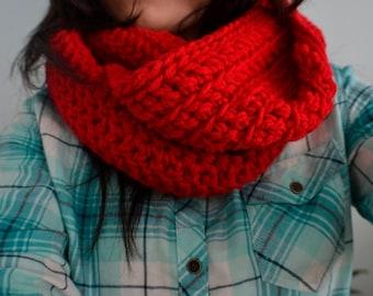 cherry red crochet infinity scarf/chunky infinity scarf/chunky cowl/ bulky infinity scarf/thick infinity scarf