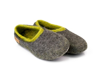 Felted woollen womens slippers with a colorful inner part, Gray and green slippers, handmade wool slippers