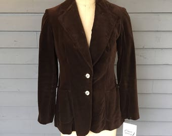 1970s Wide Lapel Brown Velvet 2 Button Blazer by Evan Picone   Made in the USA   Patch Pockets   Size Small