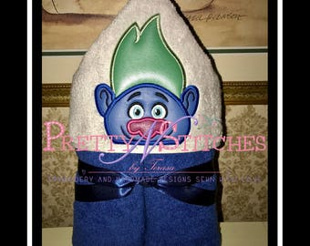 5X7 Giant Troll Peeker Applique Embroidery Design includes 2D and 3D