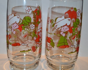 Vintage 1980 Strawberry Shortcake and Huckleberry Pie Glass-Set of 2