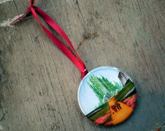 Wizard of Oz Christmas Tree Ornament, 2.25 Inch, Available in Magnet, Pin or Pocket Mirror No. 1