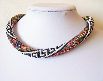 Beaded crochet rope necklace - Beaded necklace - Handmade jewellery - Beadwork - Elegant - Geometric - multicolor - colorful