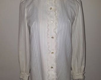 Vintage 1970's LeVoys Buttondown Lace Blouse