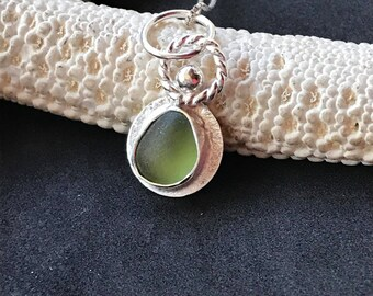 Sea Glass Necklace, Sea Glass Charm Necklace, Lake Jewelry,  Seaglass Jewelry, Lake Erie Jewelry, Beach Jewelry, Seaglass, Sea Glass