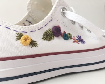Hand embroidered converse, embroidered flowers