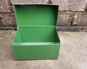 "Ohio Art Green Metal Recipe Box - For 4"" x 6"" Cards"