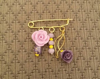 Pin for clothes with flower ( 4cm width )