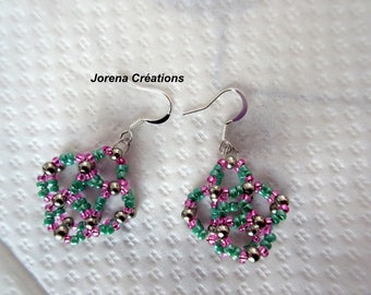 Green and pink seed beads earrings