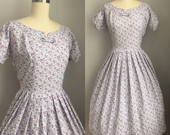 Vintage 1950s Purple Roses Novelty Print Dress Size XS