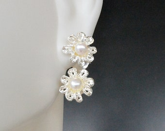 sterling silver earrings; matte; delicate; nature; flower; 925 pure; pearl;