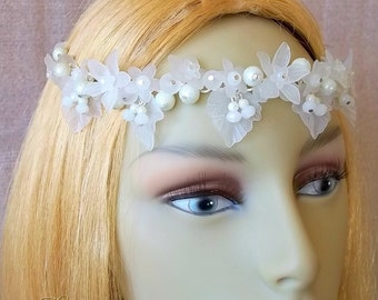 White Flower Bridal Headpiece, Wedding Flower Headdress, Brides Circlet, White Wedding, Floral Hair Jewellery, Flower Crown, Handfasting