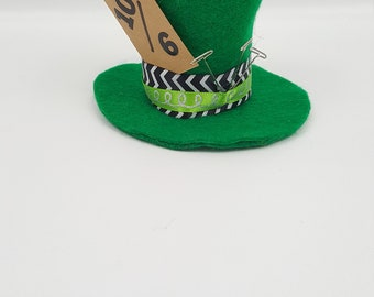 Mad Hatter Tiny Top Hat, Mad Hatter Costume, Halloween Costume, Mad Hatter Cosplay, Alice Party Favor, Alice in Wonderland, Tea Party