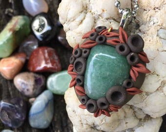 Green Aventurine Healing Stone Polymer Clay Necklace, Heart Chakra Necklace, Flower Necklace