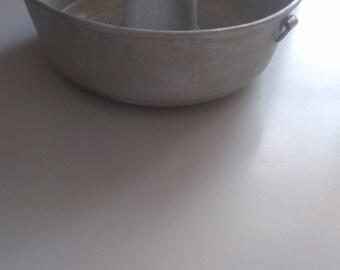 Aluminum cake / muffin / pound cake / fruit cake shape.