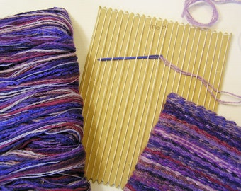 Card loom weaving kit to make a purple woven bag