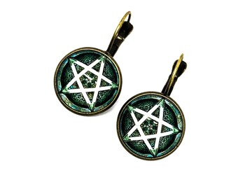 Five pointed star earrings