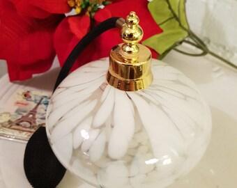 Beautiful Vintage large perfume bottle with spray atomiser