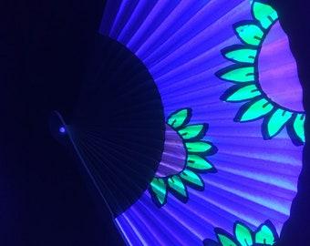 UV reactive paper fan