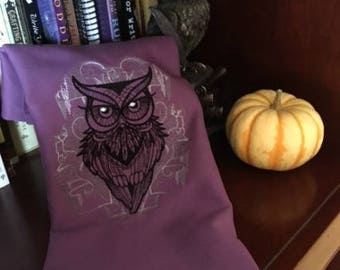 Owl on a Violet Background Tarot/Altar Cloth